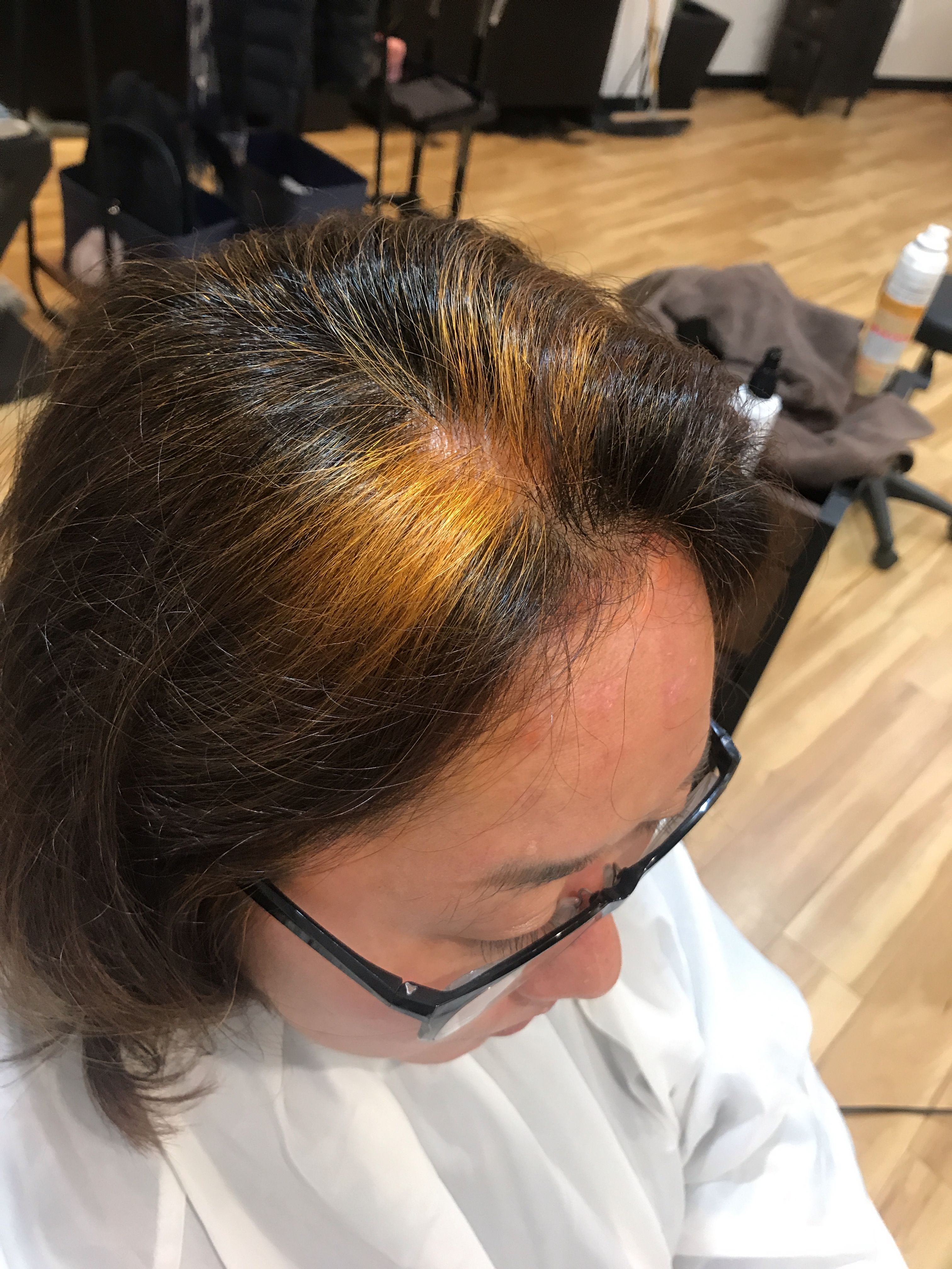 100%天然のヘナを活用してグレーヘアをオシャレにアップデート