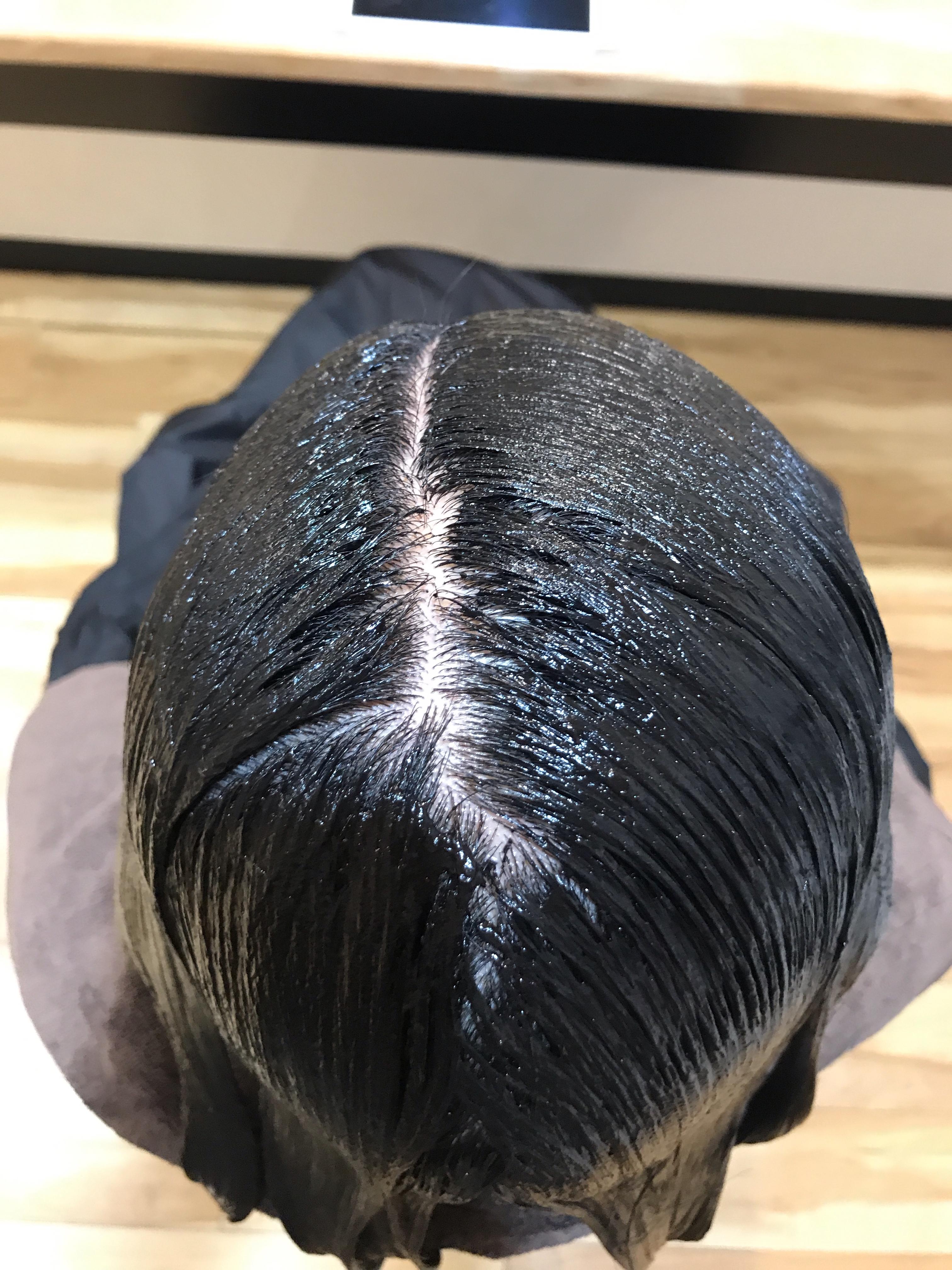 香草カラーで白髪染めをすれば髪に負担をかけずに染められる