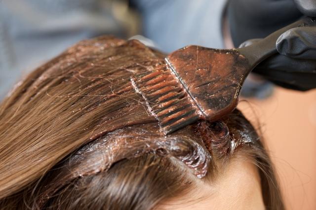 かぶれないヘアカラーを美容院で行う為に注意したいこと