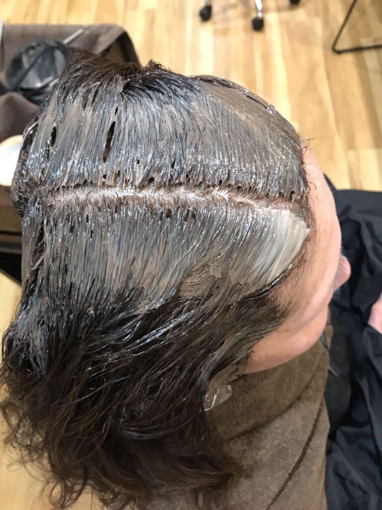 白髪染めの塗布後の状態の画像