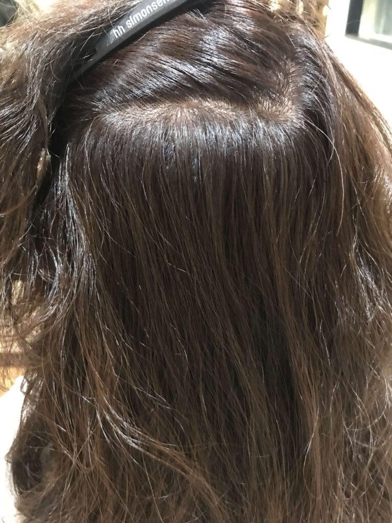 スロウカラーで赤みの少ない白髪染めができるさいたま市南浦和の美容院